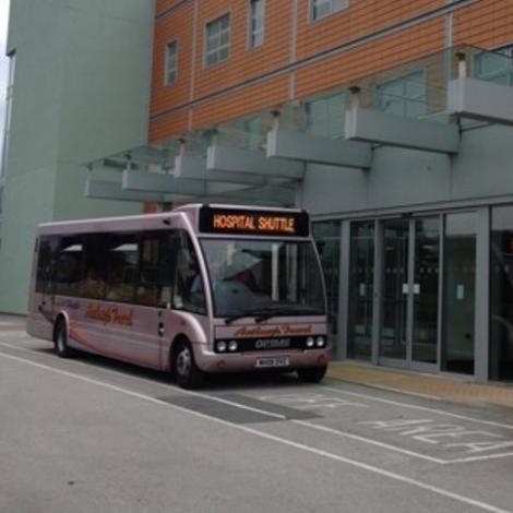 Hospital shuttle bus :: Warrington and Halton Hospitals NHS